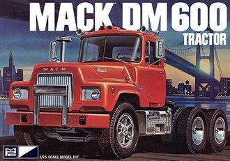 1:25 Mack DM600 Tractor (Model Kit)