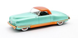 1:43 1941 Chrysler Thunderbolt Concept LeBaron Closed Convertible (Green Metallic)