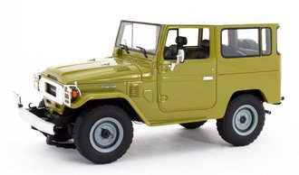 1:18 1977 Toyota Land Cruiser FJ40 (Yellow)