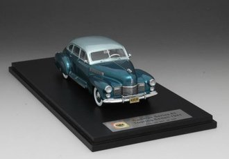 1941 Cadillac Series 63 Touring Sedan (Turquoise/Silver)
