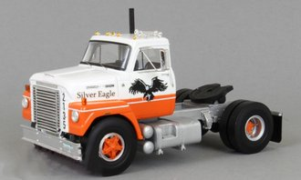 "1:43 1960 International FleetStar ""Silver Eagle"" (White/Orange)"
