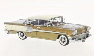 1958 Pontiac Star Chief 4 Door (Gold Metallic)