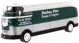 "1941 GM Futurliner ""Peter Pan Parade of Progress"" (GreenWhite)"