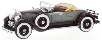 1929 Packard 640 Custom Eight Roadster (Grey/Dark Red)