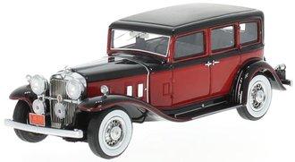 1933 Stutz SV-16 Sedan (Red/Black)