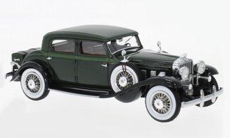 1:43 1933 Stutz DV32 Monte Carlo Sedan by Weymann (Dark Green)