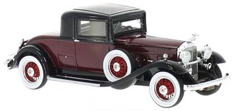 1932 Packard 902 Standard Eight Coupe (Burgundy/Black)