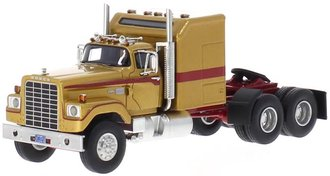 1973 Dodge CNT 950 Tractor (Gold)