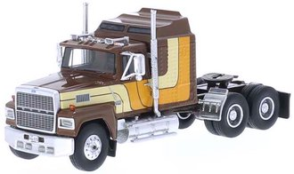 1:64 1986 Ford LTL 9000 Tractor (Brown/Yellow)