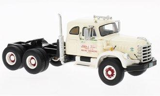 1:64 1955 Diamond T 921B Sleeper Cab (Beige)