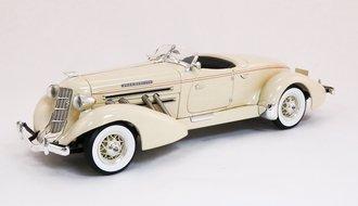 1935 Auburn Boattail Speedster (Cream)