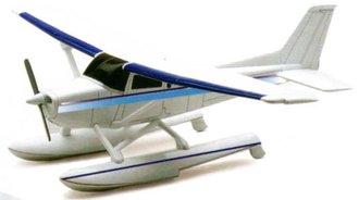 1:43 Cessna 172 Skyhawk Float Plane (Model Kit)