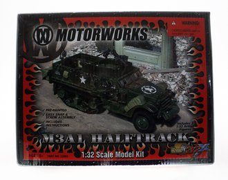 1:32 M3A1 Half Track (Pre-Painted Snap Model Kit)