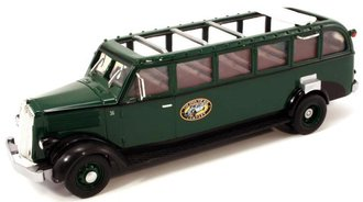 1936 White Motors 706 Tour Bus (Green)