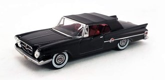 1:87 1961 Chrysler 300 Closed Convertible (Black)