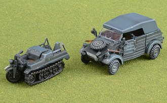 Type 82 Kubelwagen + Sd.Kfz.2 Kettenkrad - 2nd Panzer Division, German Army, 1940 (Plastic)
