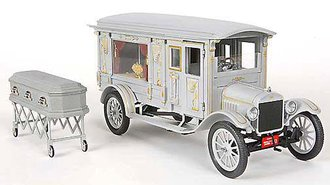 1:18 1921 Ford Model T Ornate Carved Hearse (Gray)