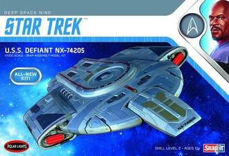 Star Trek U.S.S. Defiant (Snap Model Kit)