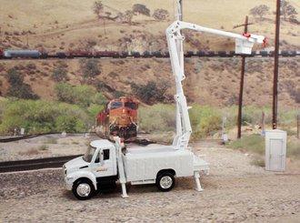 "International Bucket Truck ""BNSF Railway"""