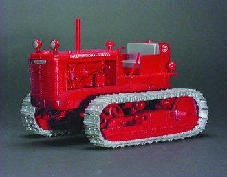 1:16 International TD-14A Diesel Crawler (Red)