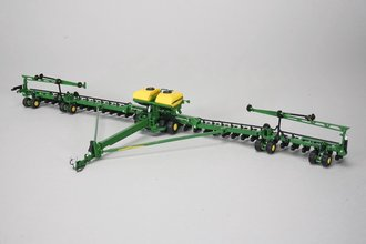 John Deere DB90 ExactEmerge 36-Row Planter (Green)