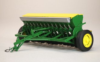 John Deere Grain Drill w/Yellow Hopper Lids (Green)