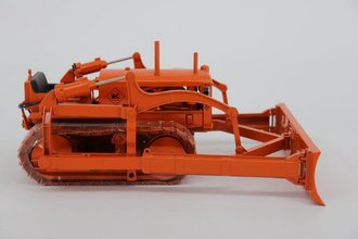 "1:16 Allis-Chalmers Model ""K"" Crawler Tractor w/Blade, Levers & Open Engine (Orange)"