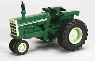 Oliver 1800 Checkerboard Narrow Front Tractor (Green)