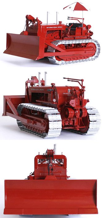 1:25 International TD-24 Dozer w/Cable Blade & Umbrella