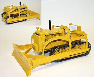 1:16 International TD-14 Industrial Crawler w/Bulldozer Blade