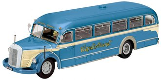 "1:43 Mercedes-Benz O 6600 Bus ""Hiking Friend"""