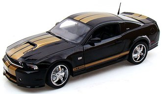 1:18 2012 Ford Shelby GT350 (Black w/Gold Stripes)