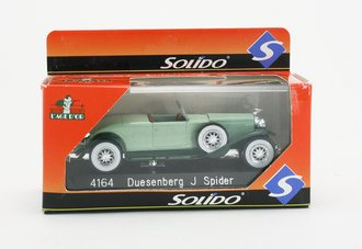 1:43 Dusenburg J Spider (Green)
