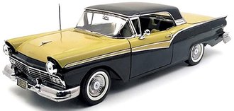 1:18 1957 Ford Fairlane 500 Skyliner (Raven Black/Inca Gold)