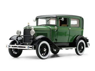 1931 Ford Model A Tudor (Balsam Green/Vagabond Green)