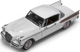 1:18 1957 Studebaker Golden Hawk (Arctic White)