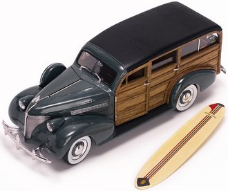 1:18 1939 Chevrolet Woody Surf Wagon (Granville Gray) w/Surf Board