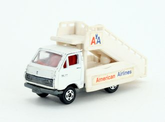"""Toyota Hiace Jetways Stair Truck """"American Airlines"""" (White)"""
