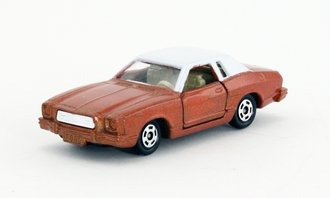 Ford Mustang II Ghia (Copper/White) *** VHTF ***