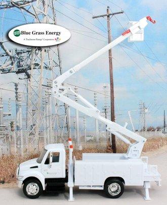 """1:43 International Bucket Truck """"Blue Grass Energy"""""""