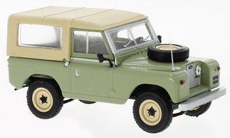 1:43 1961 Land Rover 88 Series II (Green/Beige)