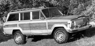1:43 1980 Jeep Wagoneer (Dark Beige Metallic)