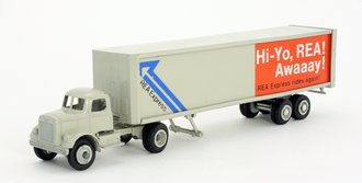 """White 9000 Day Cab w/Van Trailer """"Railway Express"""" (In Blister Pack) *** VHTF ***"""