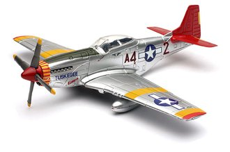 """1:48 P-51 Mustang """"Tuskegee Airmen - Red Tails"""" *** Bad Decals/Paint ***"""