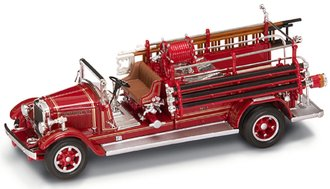 1:43 1932 Buffalo Type 50 Fire Engine (Red)