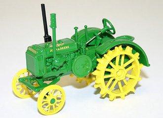 1:50 John Deere GP Tractor w/Steel Wheels