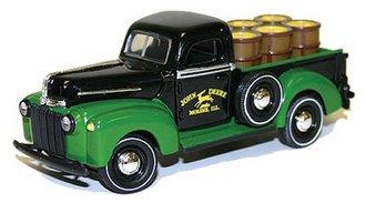 John Deere 1942 Ford Pickup w/Barrels